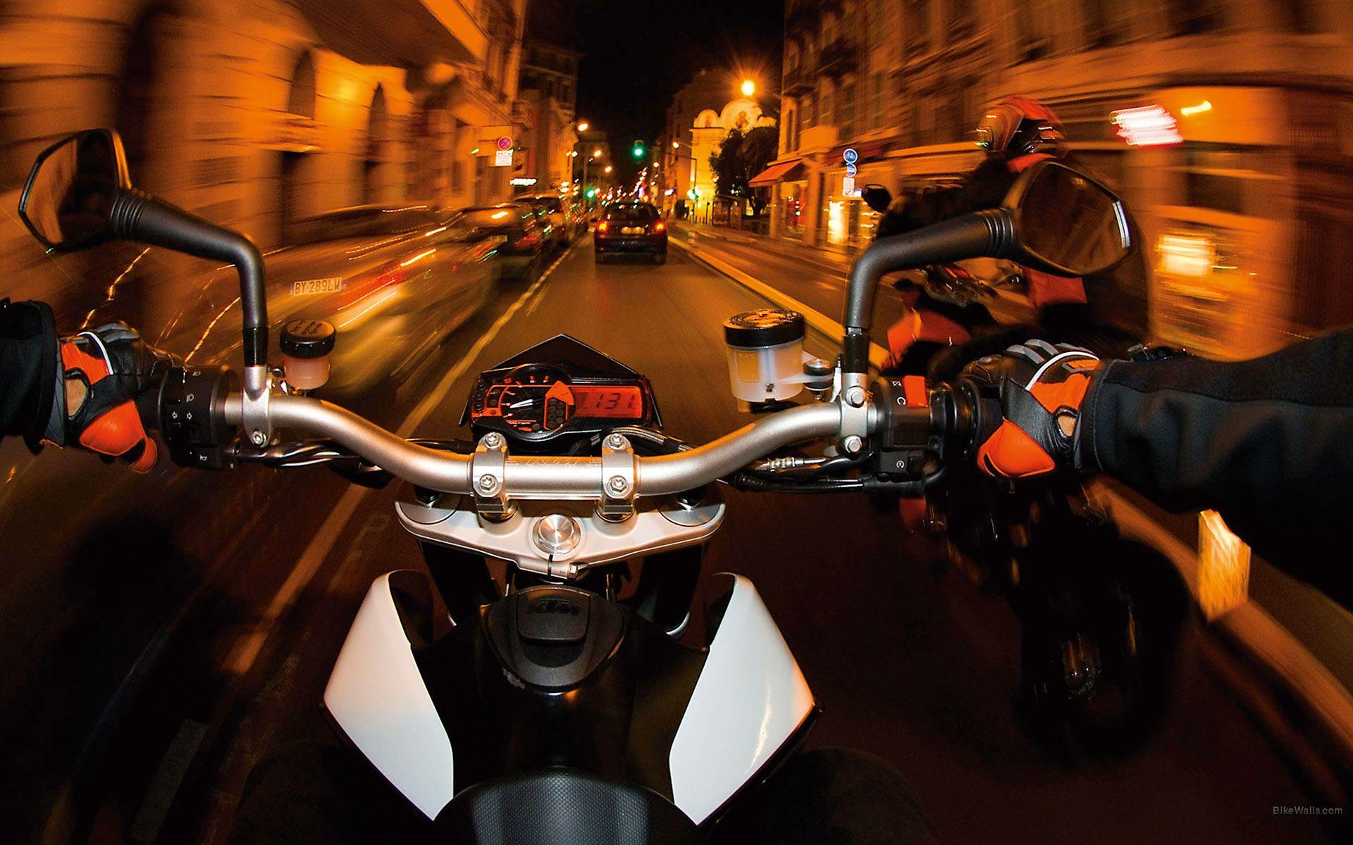 Trafikte motosiklet kullanmak